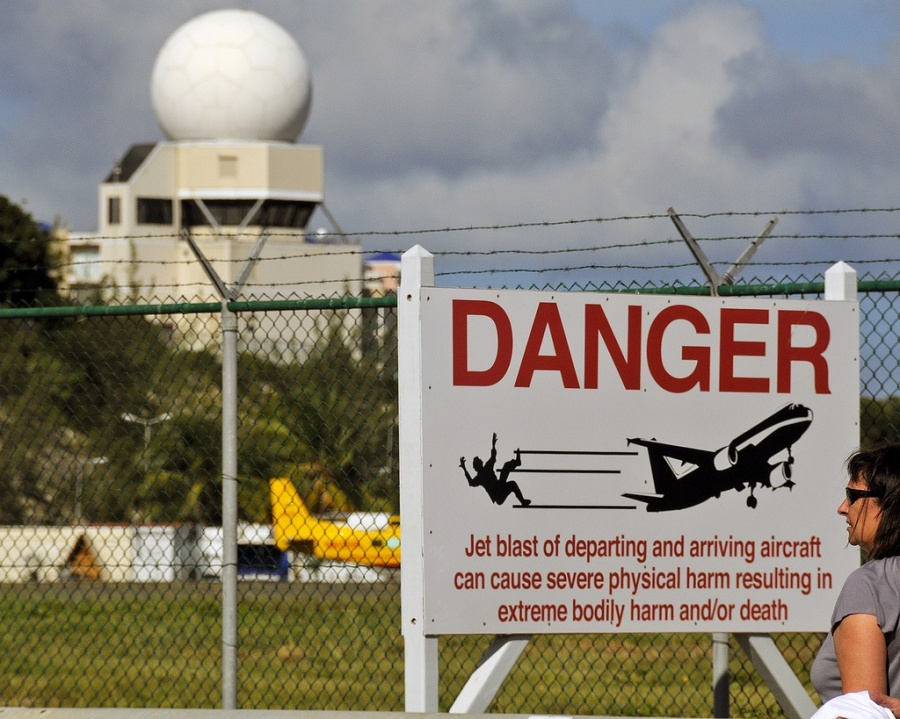 Peligro por cercanía a los aviones.