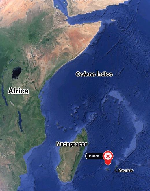 Situación de Isla Reunión en el Océano Indico. Flanqueada por Isla Mauricio y Madagascar.