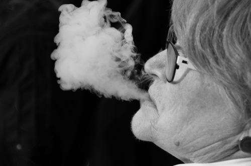 Fumar produce arrugas por alteración en la elastina
