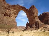 Arco de Aloba en las montañas de Ennedi. Foto: David Stanley
