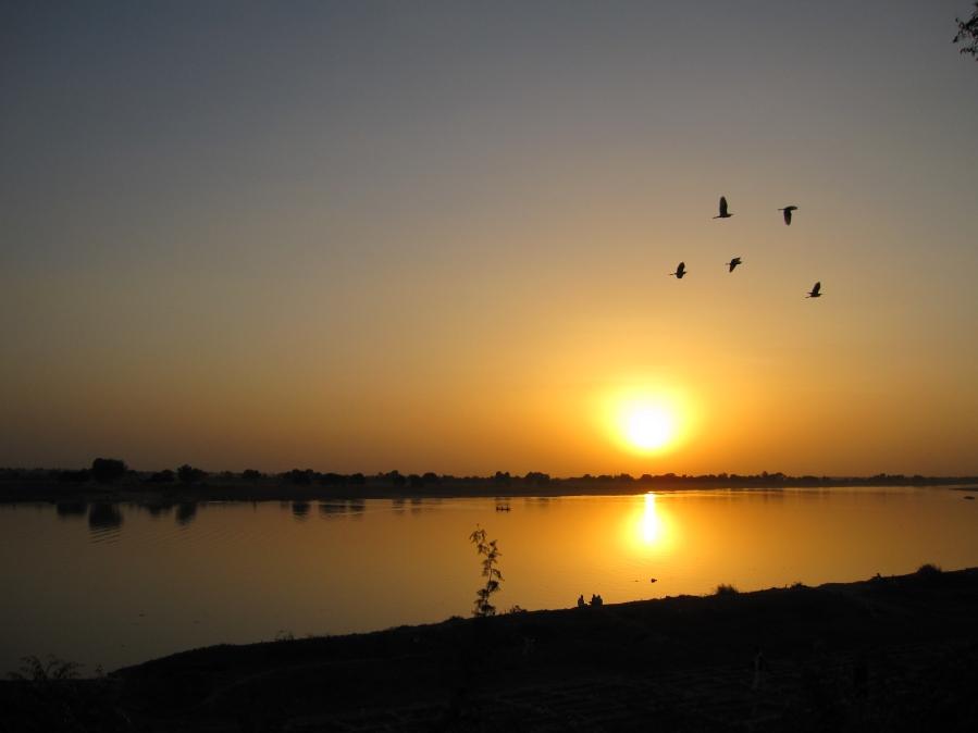 Puesta de sol en Chad. Foto : Ben Allen